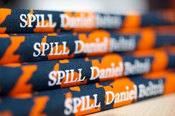 """""""SPILL"""" by Daniel Beltrá"""